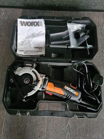 Pilarka Worx WZ426