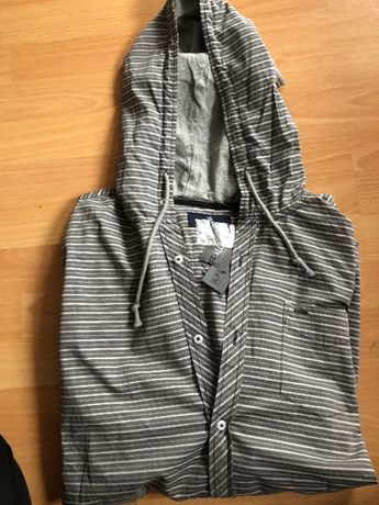 Koszula sportowa z kapturem, rozmiar L, nowa