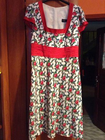 Sukienka stylizowana z marynarką