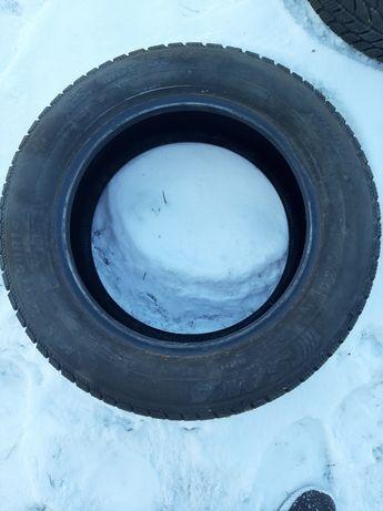 Opony zimowe  2 sztuki ok 6mm bierznik