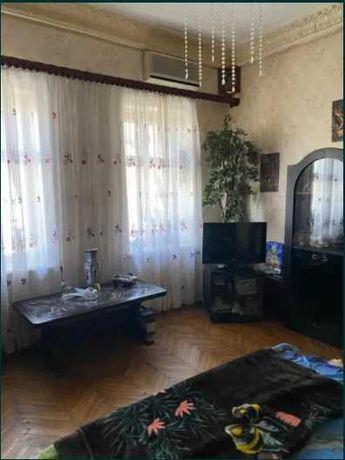 2 комн. квартира    в центре Слободки