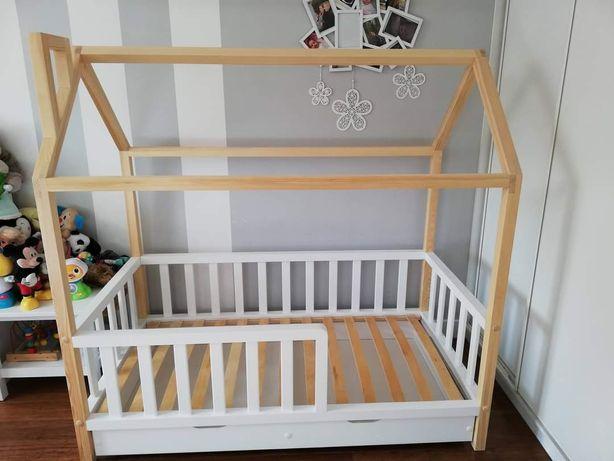 Łóżeczko domek. Łóżko drewniane