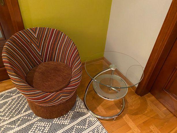 Fotel otwierany + stolik szklany
