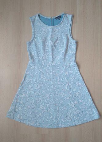 Błękitna rozkloszowana sukienka wygniatanie kwiaty Warehouse 38 M