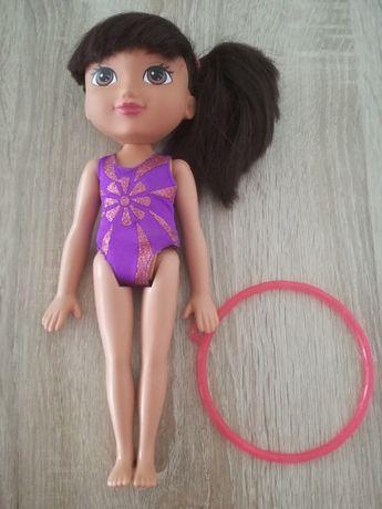 Lalka Dora gimnastyczka, akrobatka, interaktywna