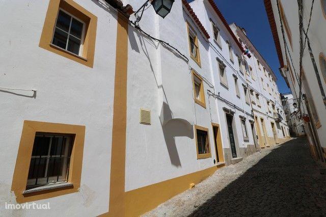 Moradia T5 Venda em Évora (São Mamede, Sé, São Pedro e Santo Antão),Év
