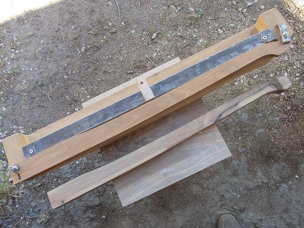 Приспособа для копирования ножек столов.
