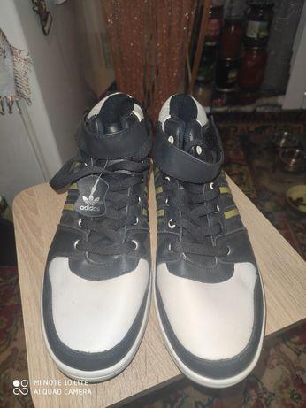 Продам срочно кросовки