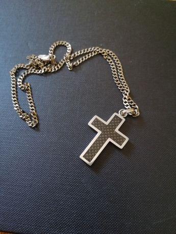 Srebrny łańcuszek i krzyżyk stał nierdzewna Apart