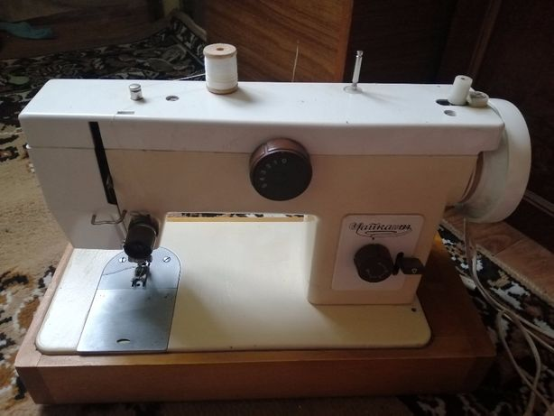 швейная машинка продам