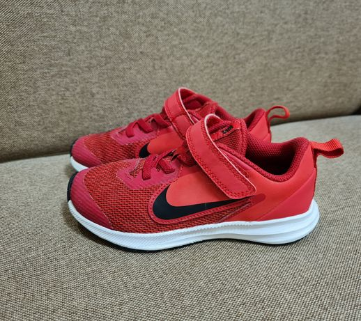 Кроссовки Nike оригинал р.29