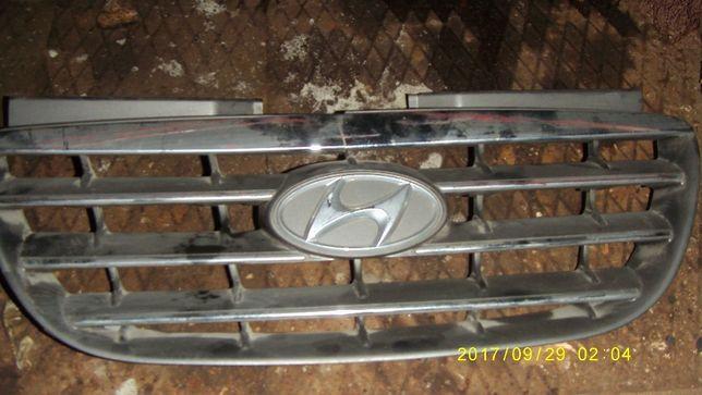 Решетка радиатора Hyundai Elantra оригинал