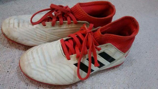 Кроссовки подростковые сороконожки adidas
