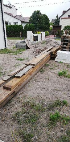 Drewno budowlane + 30 szt. cegły czerwonej