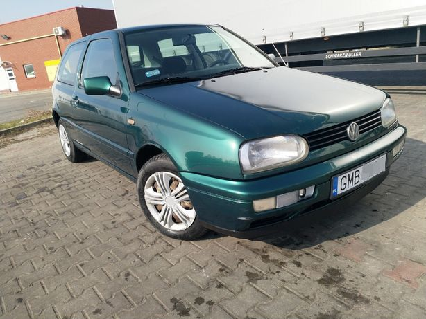 VW Golf 1,8 benzyna 1997 rok sprawna klimatyzacja