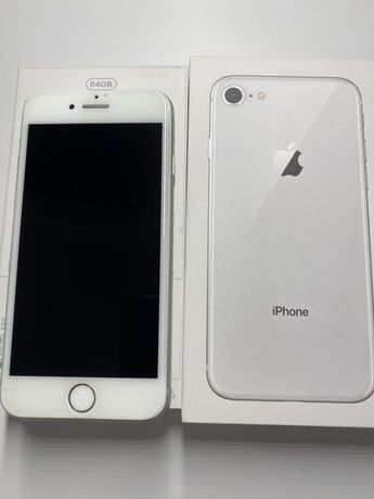 IPhone 8 , 64 GB silver