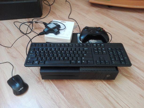 Xbox One wraz z Adapterem (do) Myszka i Klawiatura, Pad