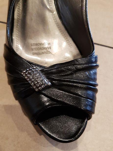 Buty na obcasie bez palców