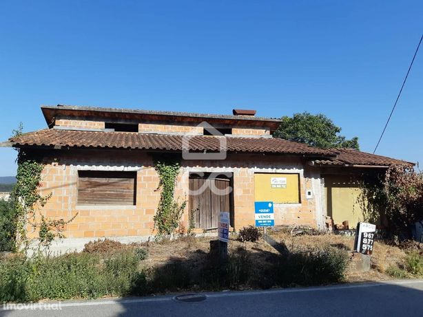 Vende-se prédio em propriedade Total em Sever do Vouga