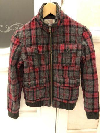 Продам фирменную демисезонную шерстяную курточку