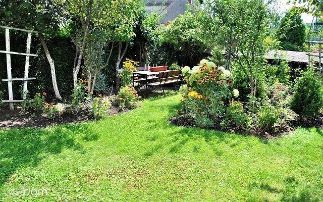 Trzypokojowe mieszkanie z ogródkiem i garażem! Przeworno - image 1
