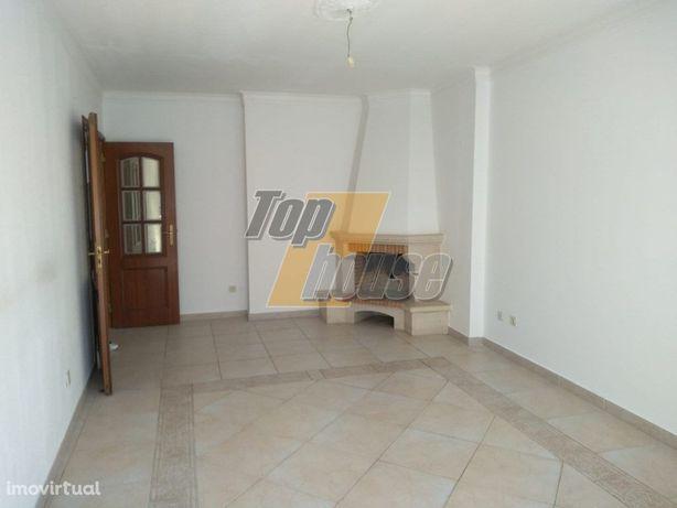 Apartamento T2 - Parqueamento- Santa Marta Pinhal