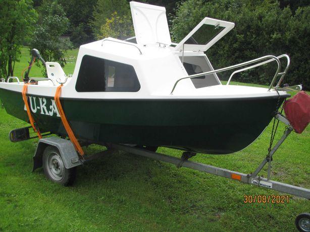 łódz łodka kabinowa motorowa