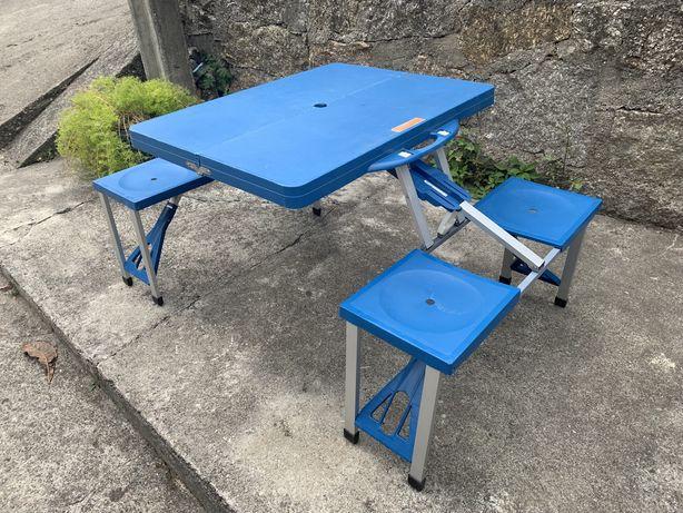 Mesa portátil 4 cadeiras