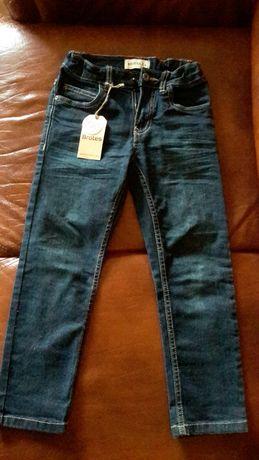 Новые джинсы 5-6лет,350гр.