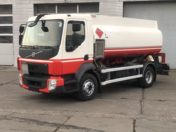 Топливозаправщик Volvo FL250