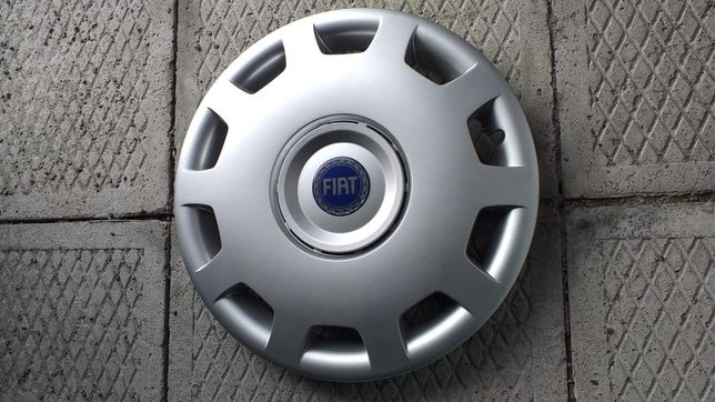 Kołpak marki Fiat