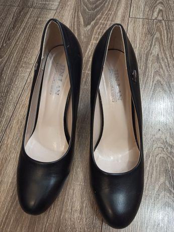 Туфли женские 40 р (25,7 см)