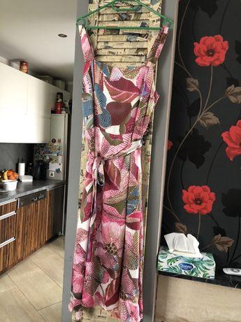 Długa firmowa sukienka w kwiaty 38