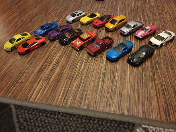 Zestaw samochodziki prawdziwe marki resoraki Hot wheels,Maisto,Welly
