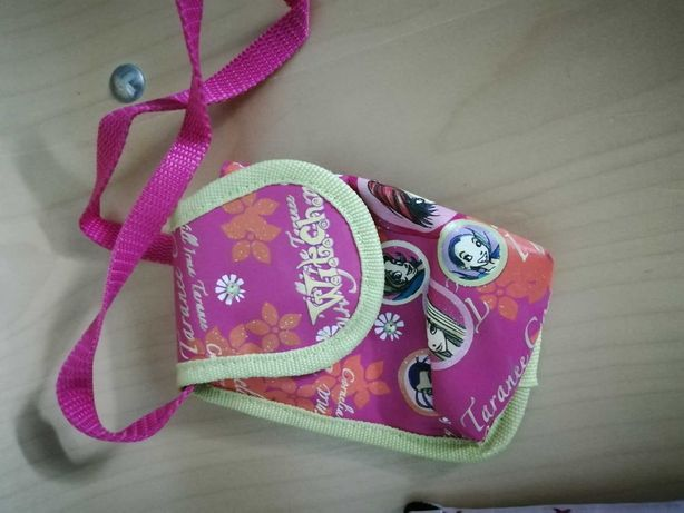 Bolsas para telemovel- Winx e Hello Kitty