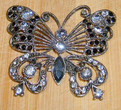 Broszka, przypinka, naszyjnik srebrna - motyl