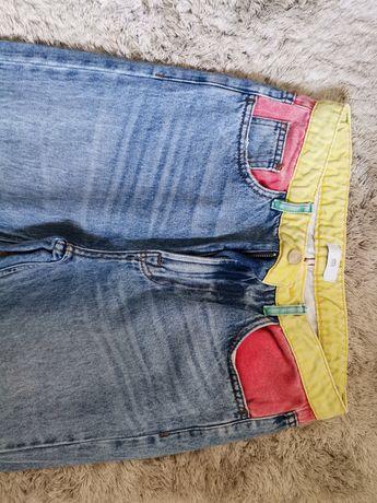 Calças de ganga coloridas