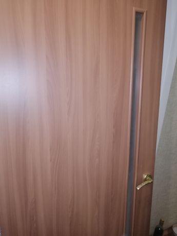Продам миж комнатни двери