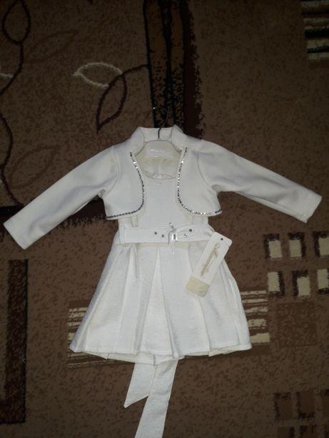 Продам новое детское платье,  размер 68 на 6 меся