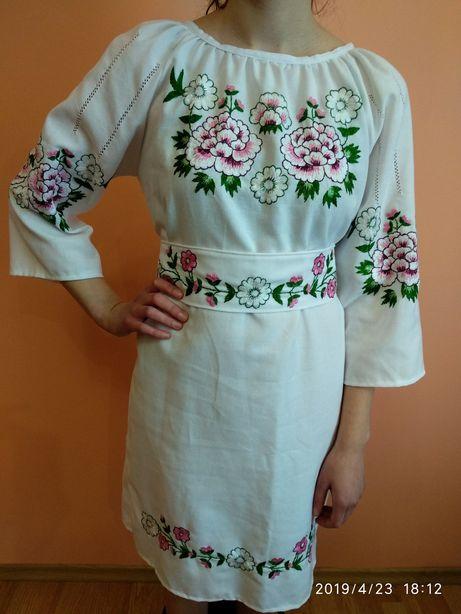 Плаття вишиванка вишита на домотканому полотні ручна робота