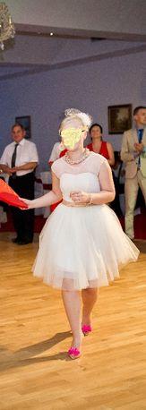 Suknia ślubna ecru krótka