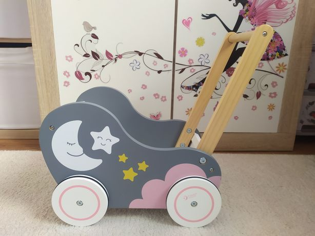 Drewniany wózek dla lalek pchacz