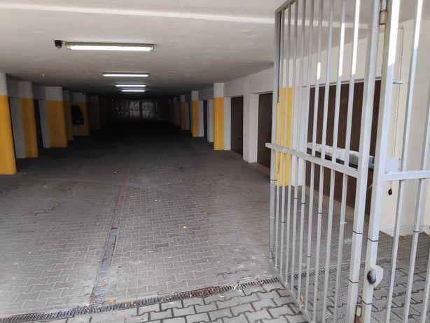 Garaż blisko szpitala na Jaczewskiego