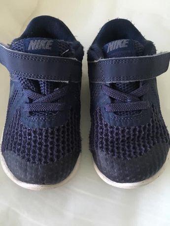 Sapatilhas Nike 22
