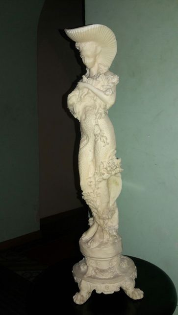 Статуетка Мадонна