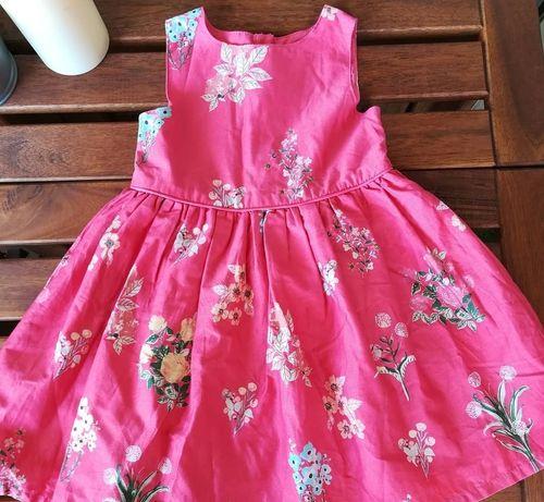 Vestido florido com tule rosa no forro