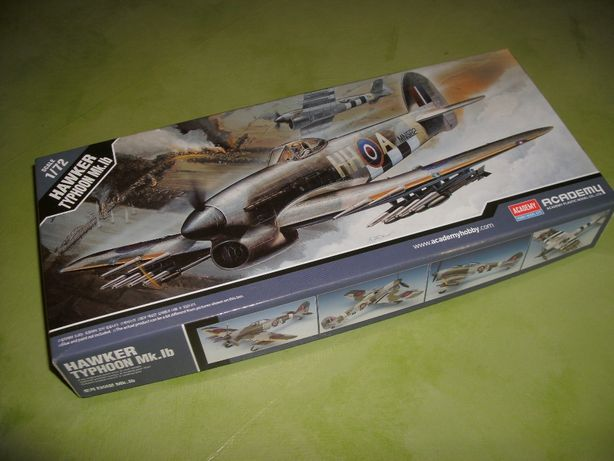 Kit Modelismo avião Hawker Typhoon Mk.Ib da Academy à escala 1/72