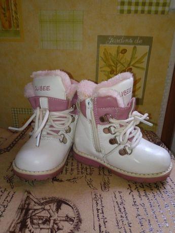Продаю зимние ботиночки для девочки