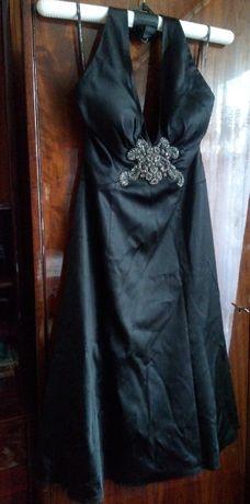 Spotlight sukienka czarna elegancka zdobiona
