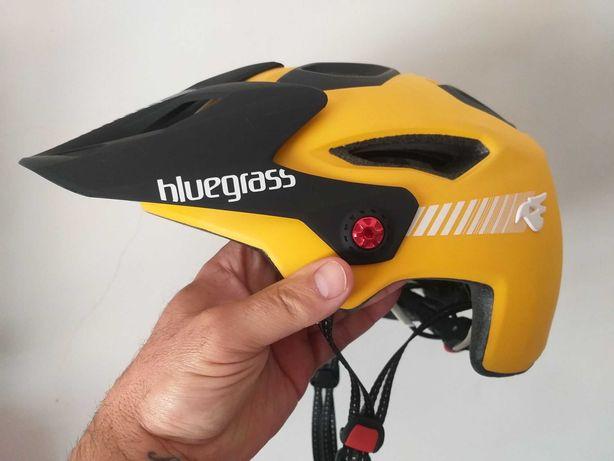 Capacete ciclismo Bluegrass M novo